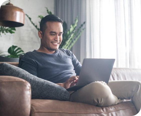 sitting-man-on-laptop